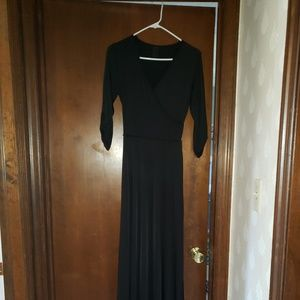 Black 3/4 quarter sleeve maxi dress
